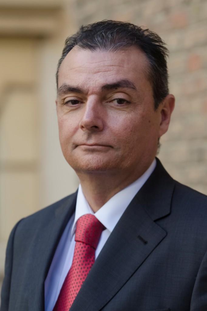 Forinvest refuerza su perfil empresarial con la for Salvador navarro